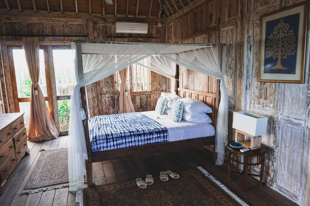 Joglo Room @Mambo Surf Lodge