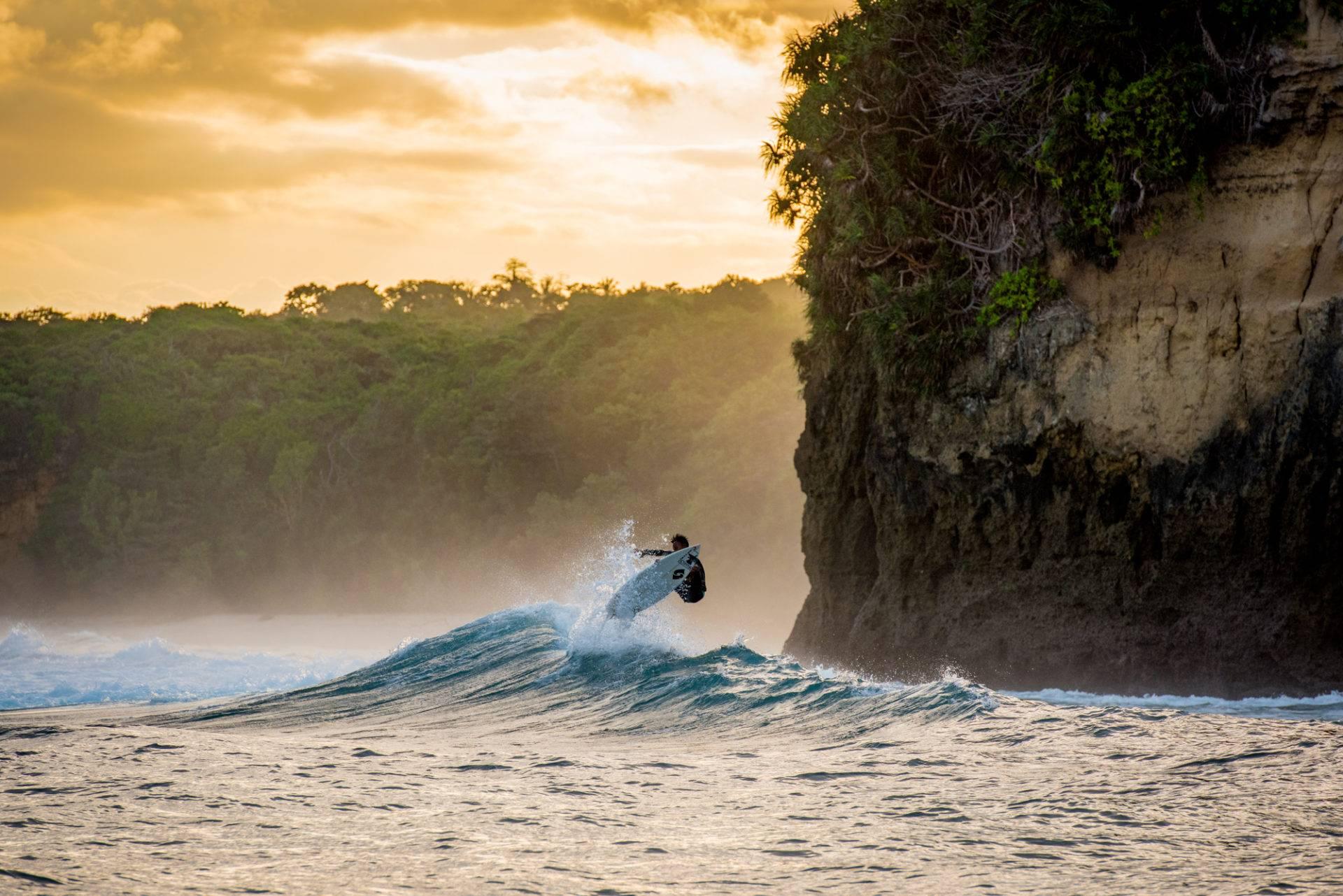 Surf Nihiwatu