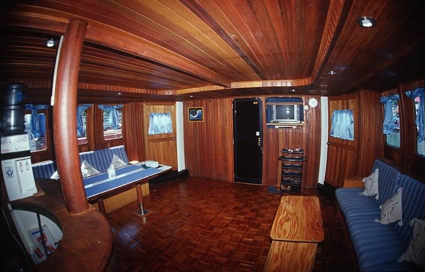 Mentawai Boat Charter
