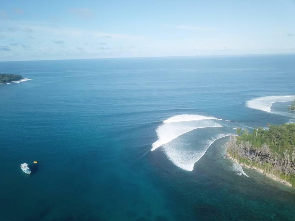 Surfing Banyaks
